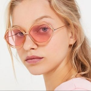 NWT Urban Outfitters Lip Sunnies